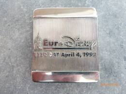 Presse-papiers : EuroDisney Esso  Day April 4.1992 - Advertising