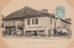 La Pacaudière- La Place Du Marché (café De France).... - La Pacaudiere