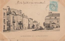 La Pacaudière- La Place De La Mairie - La Pacaudiere