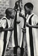 AFRIQUE,BURKINA FASO,OUAGADOUGOU,terre Des Guerriers,enfants De Choeur,mission Des Pères Blancs,religion,et Amour,rare - Burkina Faso