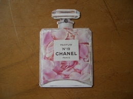 Carte Chanel N°19 - Perfume Cards