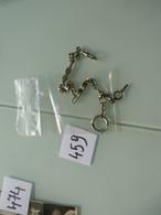 Chaine De Montre à Gousset Avec Sa Clef Tel Quel Nombreuses Photos à Voir - Watches: Bracket