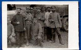 Carte Photo  - Groupe De Soldats Allemands Devant Un Camion - War 1914-18