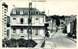 N°713 A -cpa Pont D'Ouilly -l'hôtel De La Poste- - Pont D'Ouilly