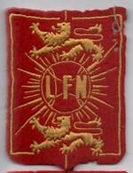 Ecusson Tissu Ancien /L F N/ ( à Déterminer) /Avec Deux Lions Rampant  Et Un Soleil/ Vers 1960-1970   ET197 - Patches