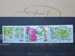 VEND BEAUX TIMBRES DE NOUVELLE-CALEDONIE N° 919 - 921 , XX !!! - Nueva Caledonia