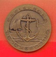 SUEDE : Médaille – Avers : « KARLSKRONA - ÖRLOGSSKROLOR » - Revers : C I S M – XI SEA WEEK - SWEDEN - 1966 - Other