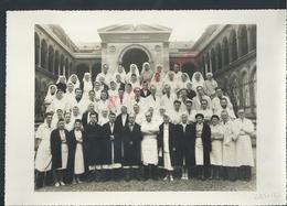 ANCIENNE PHOTO 28,5X18,5 SERVICE DE SANTÉ INFIRMIÉRE & MEDECIN HOTEL DIEU PARIS 1943 : - Persone Anonimi