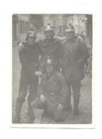 Photo ( 6 X 9 Cm) Pompier En Tenue De Travail - Hainaut, Péruwelz ??(mel 2) - Lieux
