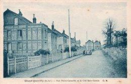 CPA   76    GRAND-QUEVILLY----RUE PIERE CORNEILLE ET LA CITE SAINT-GOBIN - Frankrijk