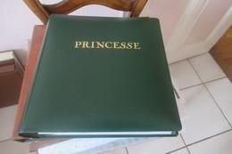 Monaco Dans Un Album Princesse ( Avec Son étui )  1973 à 1981 En Timbres Poste Cat Yt  N°916  à  1301 N**  MNH Cote 974 - Stamps