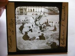 BELGIQUE OSTENDE LA PLAGE JEUX D ENFANTS SUPERBE PHOTO PLAQUE DE VERRE  10 X 8.5 - Glass Slides