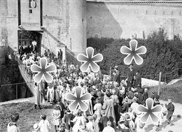 1 PHOTO(RETIRAGE)  1918  CAEN 14 CALVADOS ORPHELINS ONT TROUVE UNE ECOLE AU CHTEAU DE GUILLAUME LE CONQUERANT. - Reproductions