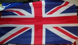 DRAPEAU ANGLETERRE DIMENSION 150 CM X 90 , BON ETAT VOIR PHOTO . POUR TOUT RENSEIGNEMENT ME CONTACTER. REGARDEZ MES AU - Flags