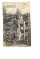 Cpa - 85 -  Les Essarts - Le Vieux Château - Escalier De Granit - Armes Seigneur De Vivonne - Les Essarts