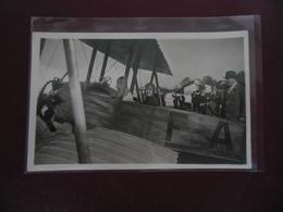 CARTE PHOTO   -  LE BOURGET  -  AVIATEUR  MARYSE BASTIE ET ?????? - Airmen, Fliers