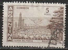 Argentina 1959 - Tierra Del Fuego - Alberi   Animali (Fauna)   Industria Petrolchimica   Mammiferi   Montagne   Paesaggi - Argentina