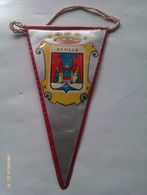 Banderín De Sevilla. Andalucía España. Años '60-'70 - Escudos En Tela