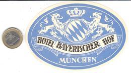 ETIQUETA DE HOTEL  -HOTEL BAYERISCHER HOF  -MUNCHEN (MUNICH)  -ALEMANIA - Hotel Labels