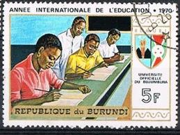 BURUNDI 1970 - YT 420 - International Year Of Education Students Taking Test - Oblitéré - Burundi