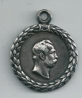 RUSSIE Belle Médaille De STALINE ( Metal   Argentée  Dim 32 Mm ) - Other