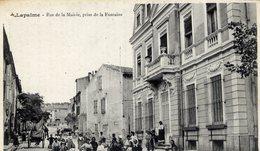 11 LAPALME - Rue De La Mairie, Prise De La Fontaine - Très Très Animée - Autres Communes