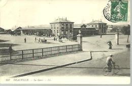 DEAUVILLE...LA GARE...1909 ???...animée....14 X 9 - Gares - Sans Trains
