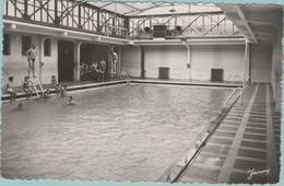CPSM:  CARPENTRAS (Dpt.84):  La Piscine En 1955.   (photo Véritable)   (E 366) - Carpentras