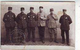 MILITARIA . CARTE PHOTO . GUERRE 1914.1908 . GROUPE De PRISONNIERS . CHEMNITZ . CACHET DE CENSURE A SEC . GEPRÜFT F.a. - War 1914-18