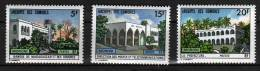 COMORES N° 84 / 86 XX  Bâtiments Administratifs - Komoren (1950-1975)