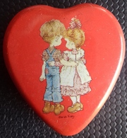 M#0U45 SCATOLA IN LATTA CUORE SARAH KAY VINTAGE Valentine Australia - Scatole