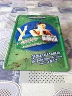 Plaque Plubicitaire  Neuve   En Tole Emaillee  30 Cm X 20 Cm  Avec Sous Verre   Hollywood Chewin Gum - Advertising (Porcelain) Signs
