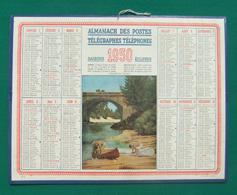 Calendrier Cartonné Grand Format - Année 1950 - Illustration Canoës Au Rivage - Calendars