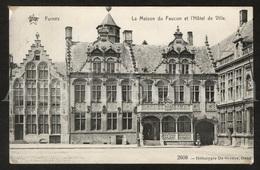 Postkaart / Postcard / Carte Postale / Veurne / Furnes / La Maison Du Faucon Et L'Hôtel De Ville / 1913 / 2 Scans - Veurne