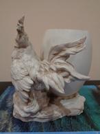 Antiguo Palillero En Forma De Huevo Con 1 Gallo. Porcelana Biscuit. Francia. - Firmada
