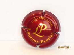 Capsules Ou Plaques De Muselet CHAMPAGNE LAURENT PERRIER FOND VIOLET - Laurent-Perrier