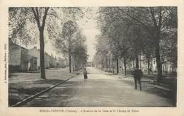 """CPA FRANCE 86 """"Nieuil L'Espoir, L'Avenue De La Gare Et Le Champ De Foire"""" - Autres Communes"""