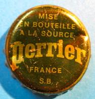 CAPSULE MISE EN BOUTEILLE A LA SOURCE PERRIER FRANCE S.B. - Capsule
