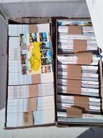 GROS LOT DE  250  BOITES  ENVIRON DE CARTES  POSTALES  MODERNES  NEUVES  DIFFERENTS  MODELES - Postales