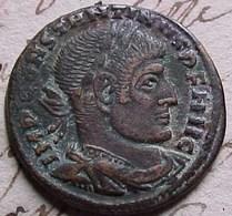 MONNAIE ROMAINE CONSTANTIN Ier LE GRAND , FOLLIS Ou  NUMMUS , SOLI INVICTO COMITI   Constantine I ROMAN COIN - 7. L'Empire Chrétien (307 à 363)