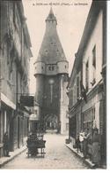 18  DUN Sur AURON  Le Donjon  Hôtel Du Sauvage ; Tabac - Dun-sur-Auron