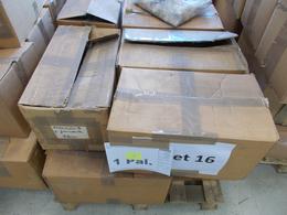 29939 Nachlässe: PALETTE 12 - Reichhaltiger Bestand Von Losen Marken In Etlichen Kartons, Eine Ganze Palet - Stamps