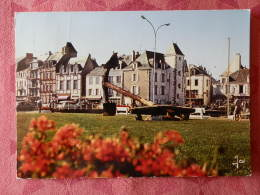 Dep 44 , Cpm LE CROISIC , MX 9408 , Pelouse Fleurie Devant Le Port (177) - Le Croisic