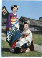 154383 JAPAN Maiko Girls Geisha KYOTO Garden Of Nijyo Castle - Asia