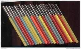 Lot De 20 Porte Plumes Plastique Année 60/70   (L 12.5 Cm)  Neuf - Plumes