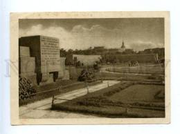 157453 Russia LENINGRAD Graves Of Revolutionaries On Square - Rusland