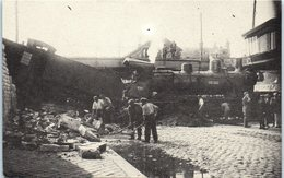 Train- CAEN - Rue La Gare à Caen En 1929  Accident D'un Train De L'Etat Série N° 035 Télichko éditeur Chemin De Fer - Trains