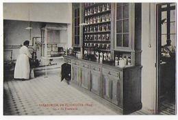 Cpa Tres Bon Eta 9x14cm  , Zuydcoote, Sanatorium ,   La Pharmacie, Carte Rare - Salute