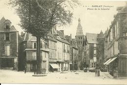 SARLAT  - Place De La Liberté - Sarlat La Caneda
