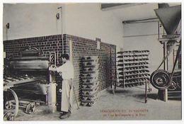 Cpa Tres Bon Etat  9x14cm , Zuydcoote,  Sanatorium,  La Boulangerie Et Le Four ,  L'arrivée Du Charbon , Carte Rare - Salute
